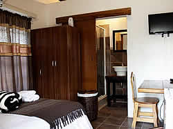 Matombo Lodge offers 8 en-suite chalets in mountain-top setting with air conditioning and DSTV in all chalets near Musina