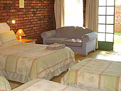 Louis Trichardt Lodge self-catering and B&B rooms
